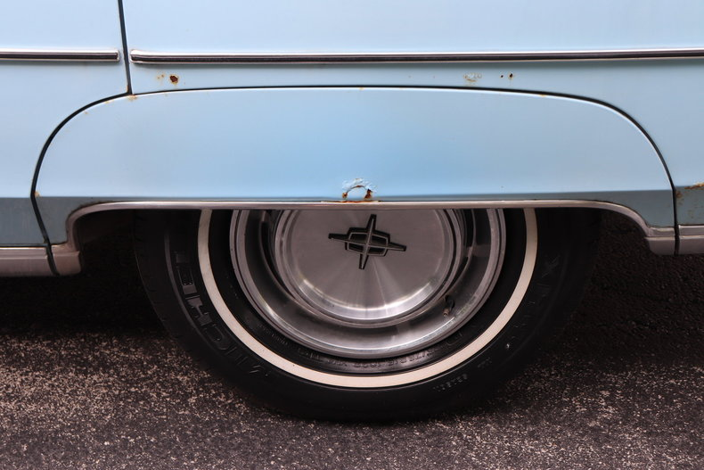 5682104b4dc97 low res 1972 lincoln continental