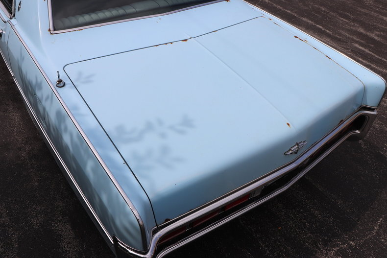 568317e84ba83 low res 1972 lincoln continental