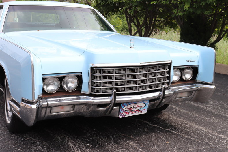 56839870b4262 low res 1972 lincoln continental