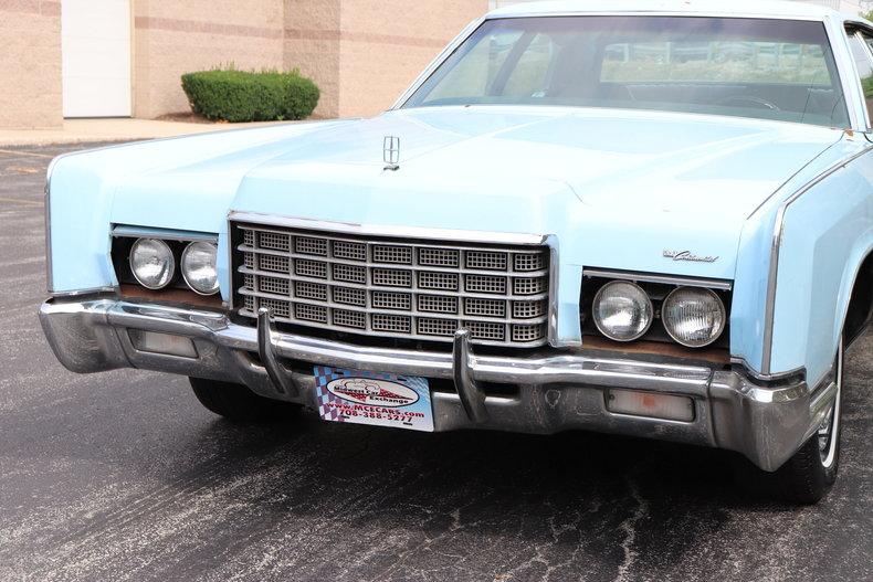 5684008167b7b low res 1972 lincoln continental