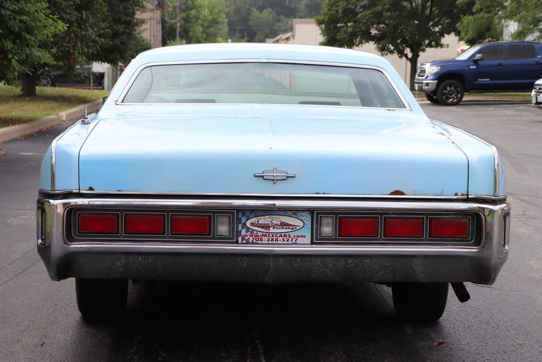 5685273d7dd53 low res 1972 lincoln continental