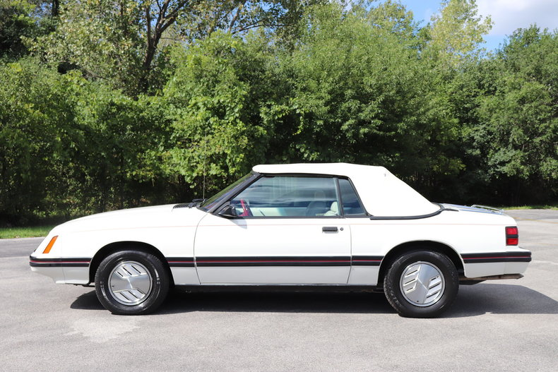 585726101c789 low res 1983 ford mustang glx convertible