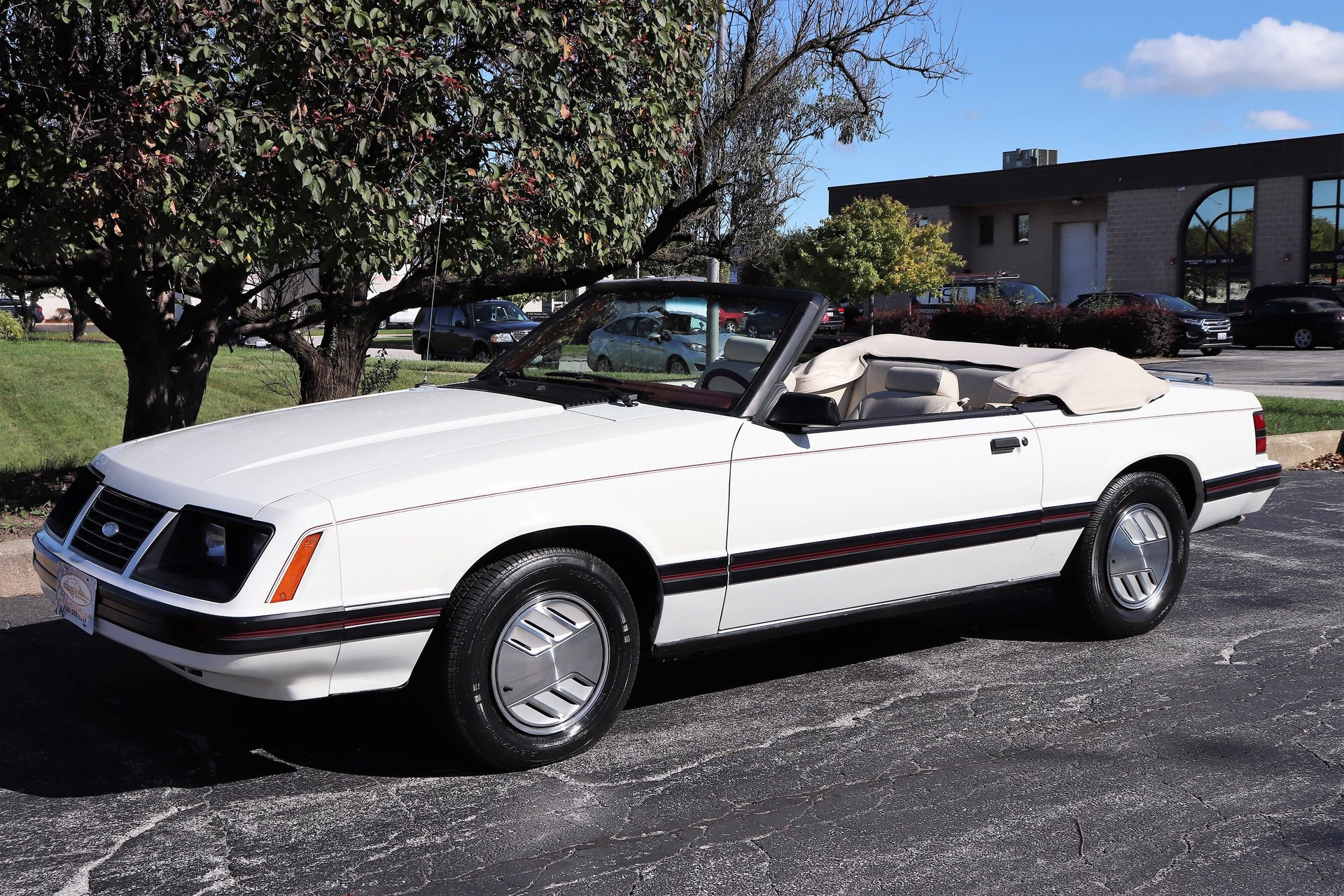5861909c6d6ca hd 1983 ford mustang glx convertible