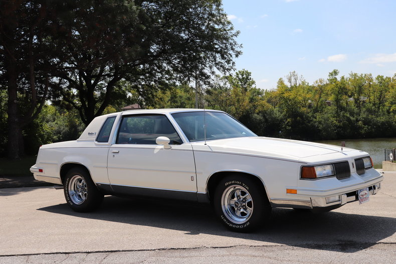 57661d33bfd88 low res 1987 oldsmobile cutlass supreme brougham