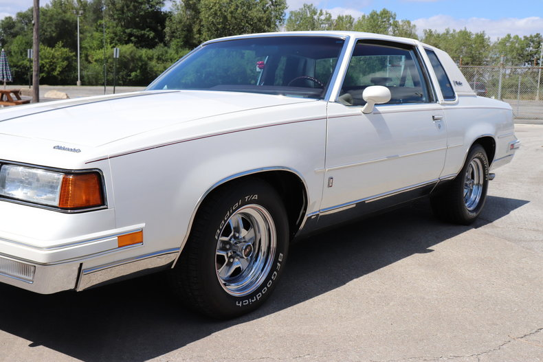 57681530f7ea3 low res 1987 oldsmobile cutlass supreme brougham