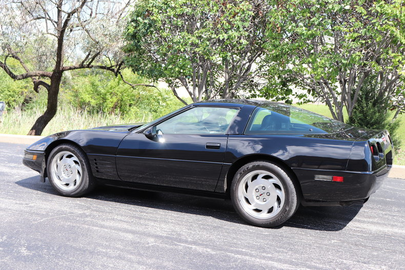 5818567429076 low res 1994 chevrolet corvette
