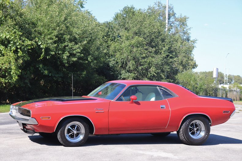 58734f182a918 low res 1970 dodge challenger