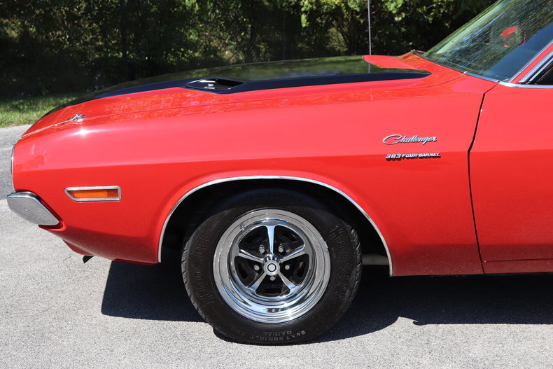 59078e8952867 low res 1970 dodge challenger