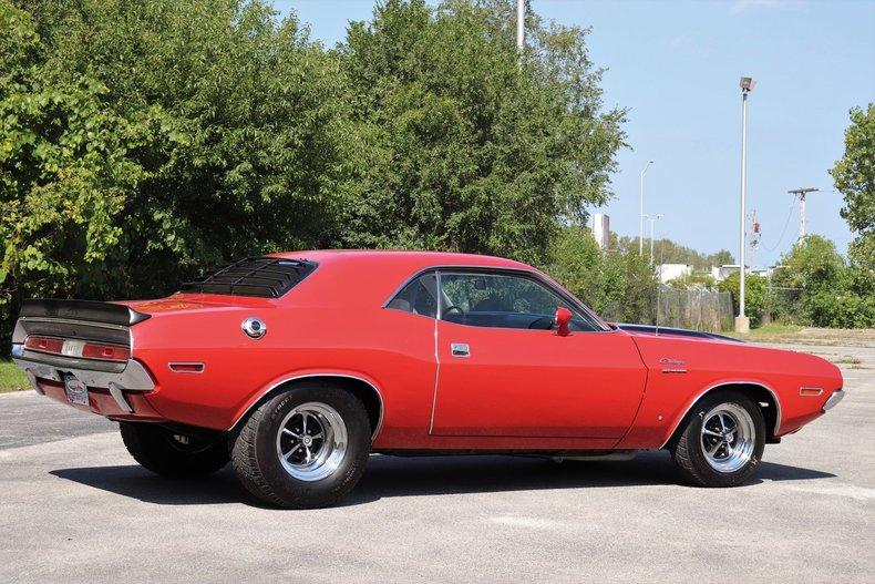 590874643205a low res 1970 dodge challenger