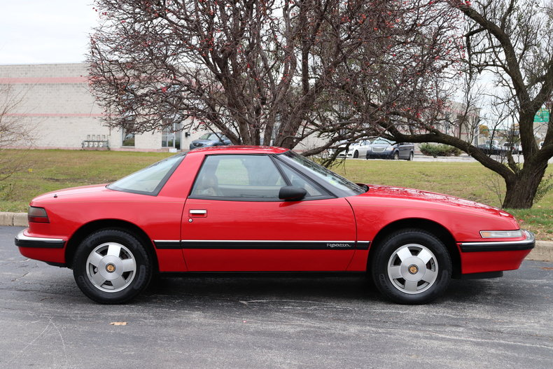 612551af7a929 low res 1990 buick reatta