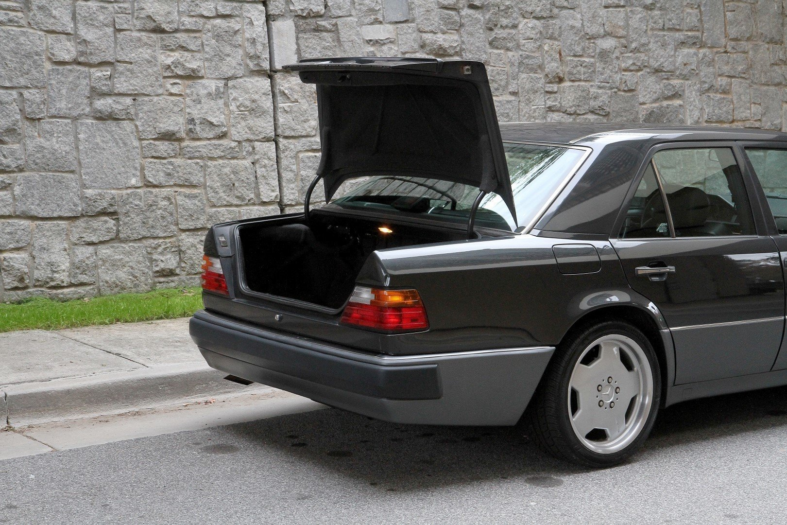 1992 Mercedes-Benz 500E | Motorcar Studio