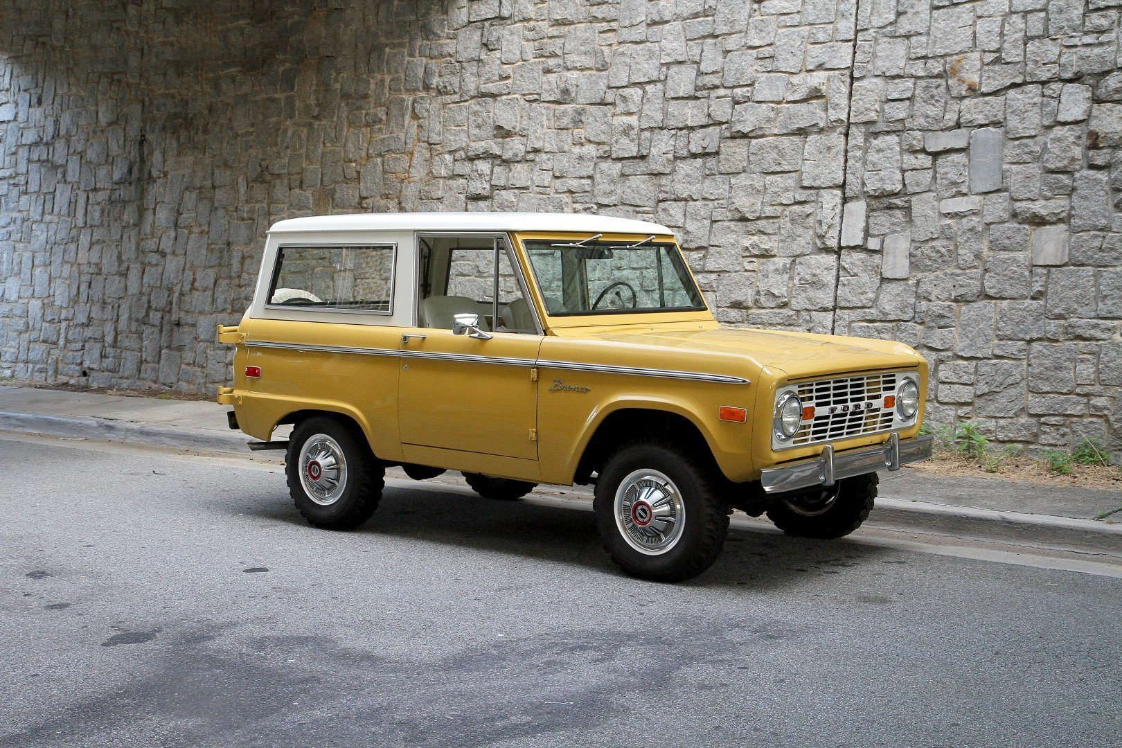 73627fb6a446 hd 1973 ford bronco