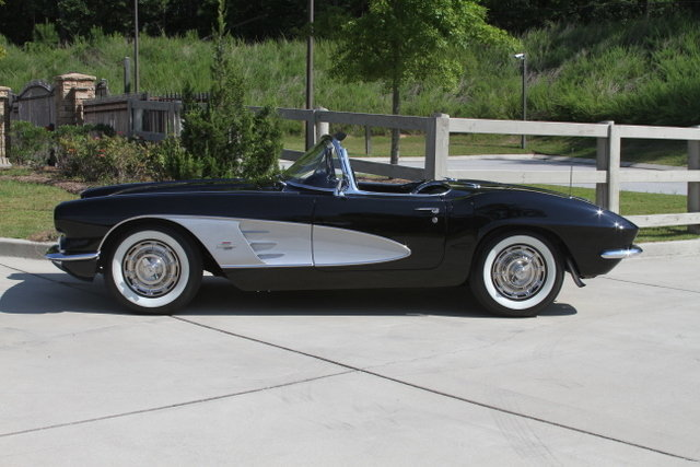 1521ce4cc8cf low res 1961 chevrolet corvette
