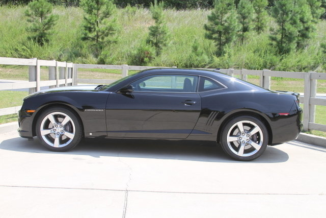 17552a32f895 low res 2010 chevrolet camaro 2ss