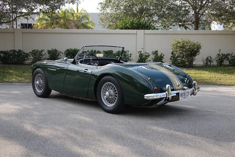 1950b0abedb5 low res 1960 austin healey 3000