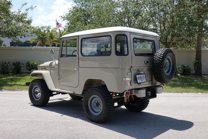 21505ef8be12 low res 1971 toyota fj40