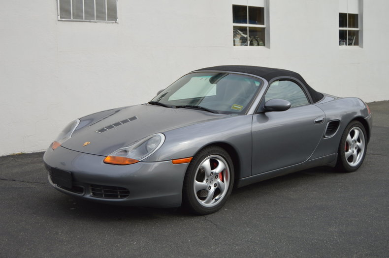 5210411135f3 low res 2001 porsche boxster s