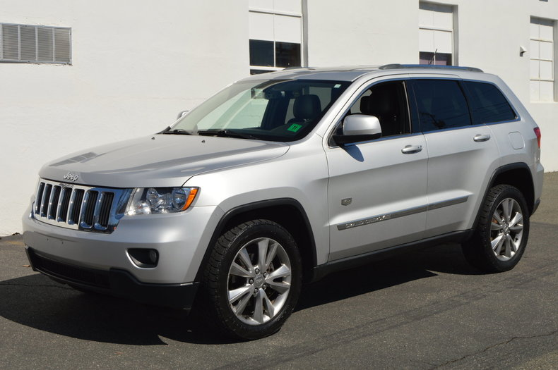 570788c4cdf7 low res 2011 jeep grand cherokee 70th anniversary edition