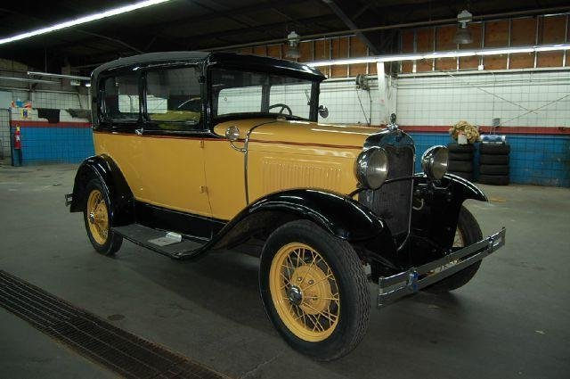 1930 Ford Model A 2 Door Tudor
