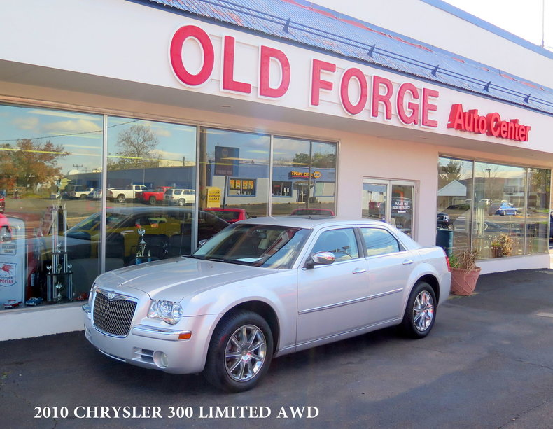 2010 Chrysler 300 Limited AWD