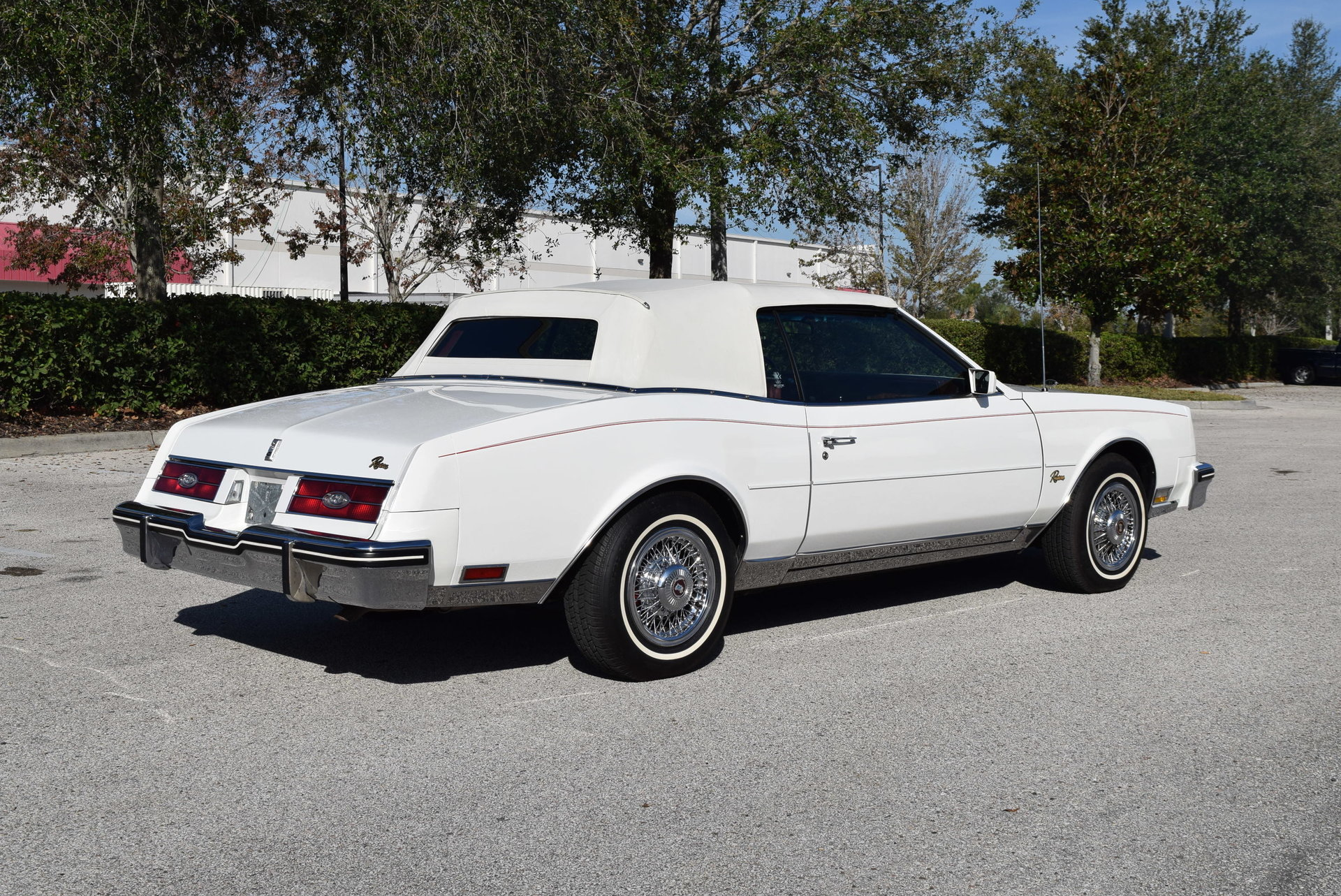 1984 buick riviera orlando classic cars. Black Bedroom Furniture Sets. Home Design Ideas