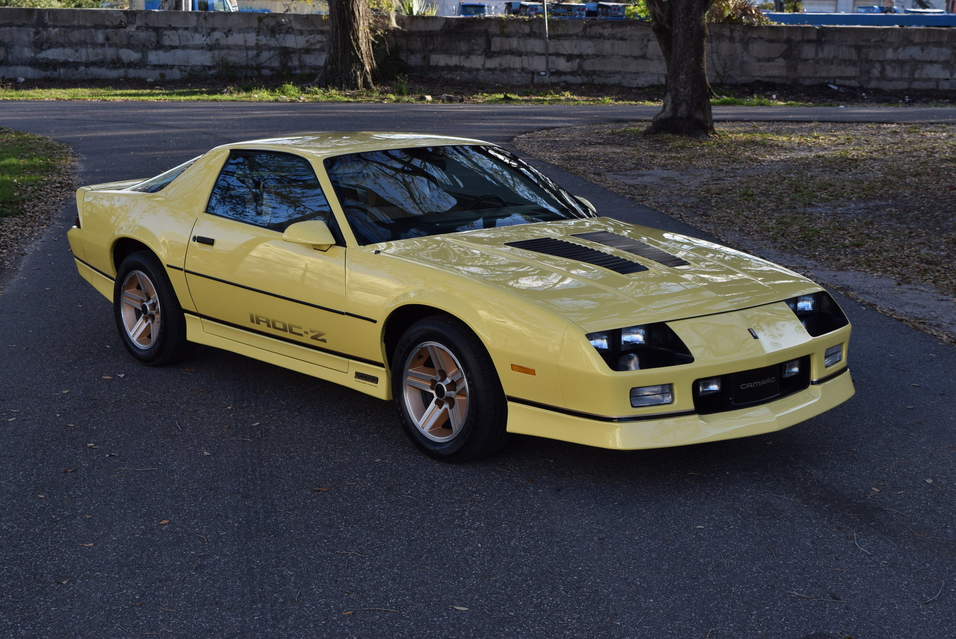 air jordan 1 black and gold 1985 camaro