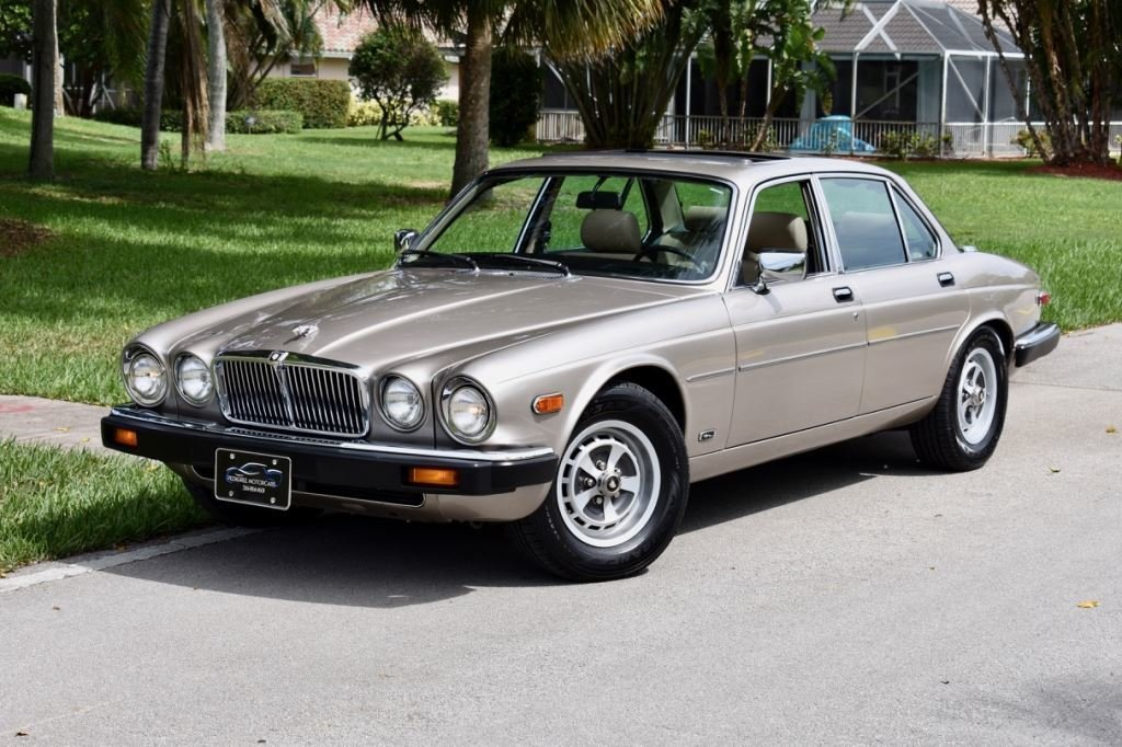 1987 Jaguar XJ6 VANDEN PLAS   Pedigree Motorcars