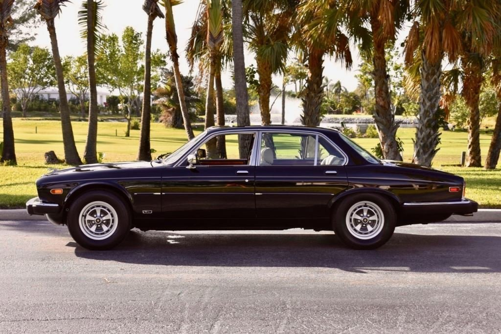 1985 Jaguar XJ6 VANDEN PLAS   Pedigree Motorcars