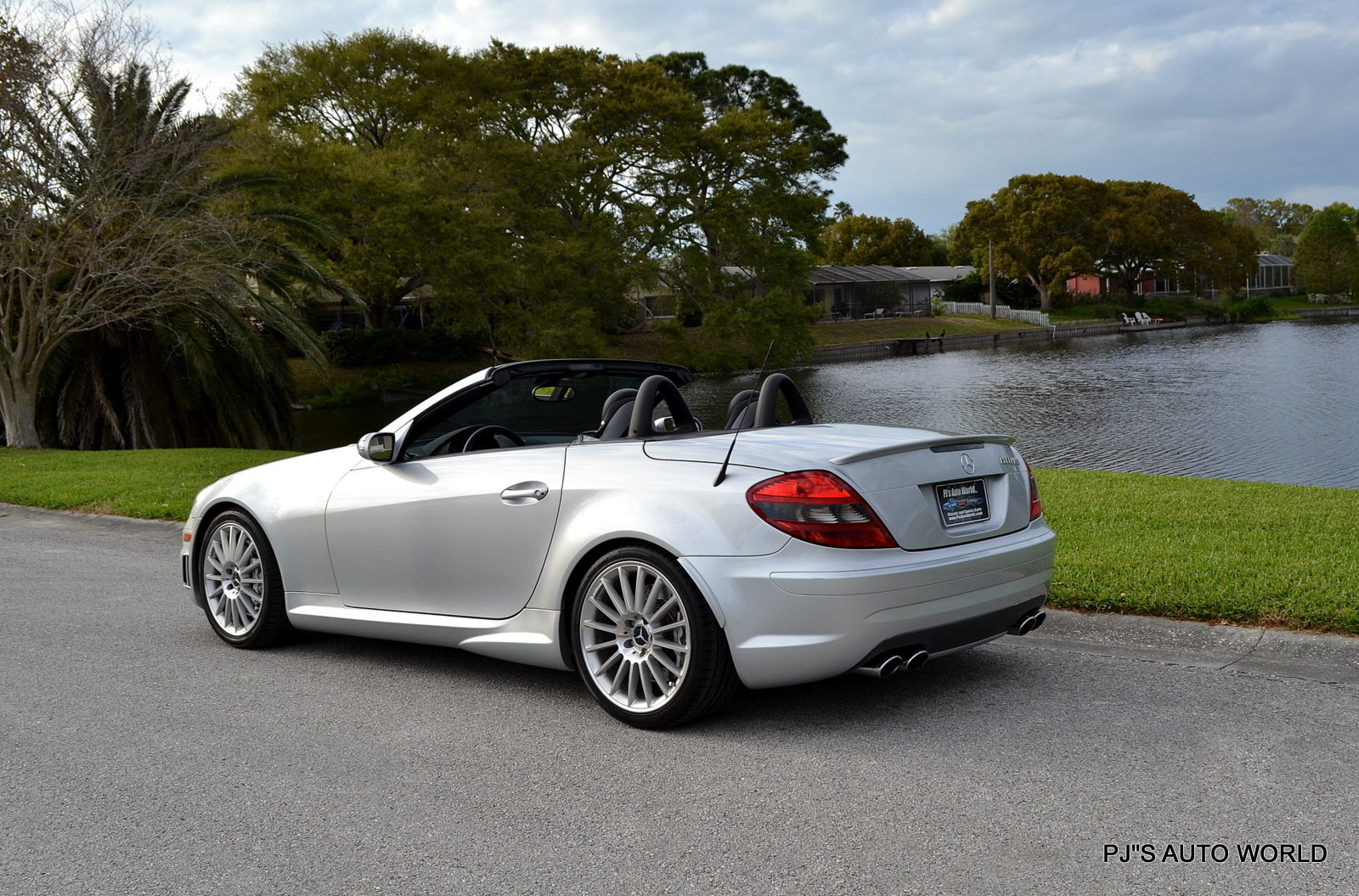 2005 mercedes benz slk class pj 39 s auto world classic cars for sale. Black Bedroom Furniture Sets. Home Design Ideas