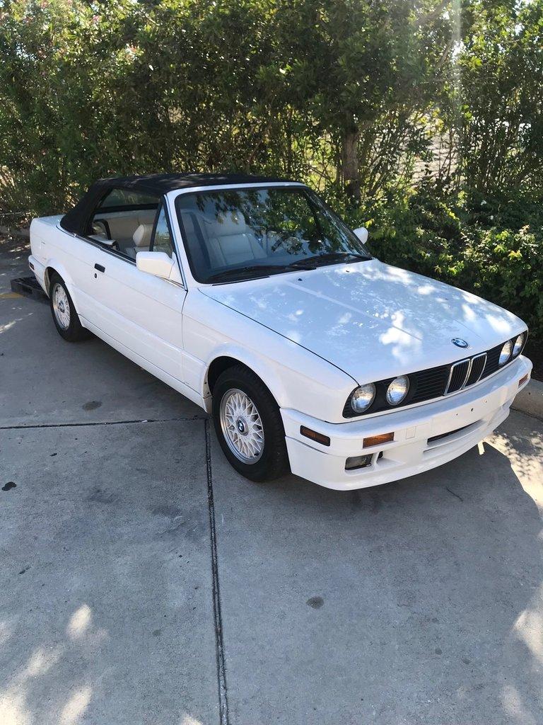 1992 BMW 325i | Premier Auction