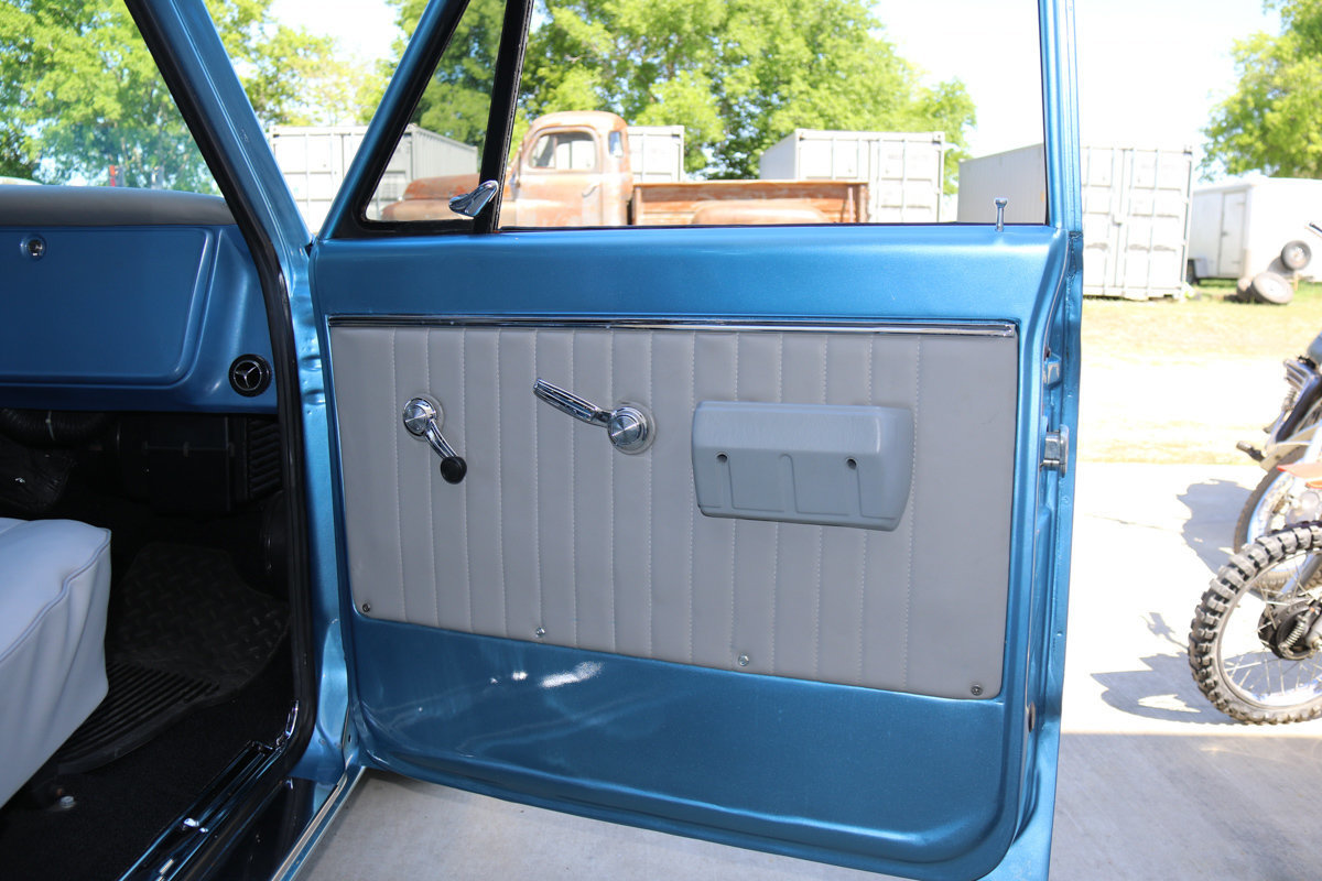 1968 Chevrolet C10 Premier Auction Chevy Stepside Back Zoom Icon See Additional Photos