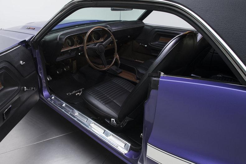 1970 Dodge Challenger R/T: 1970 Dodge Challenger R/T 36199 Miles Plum Crazy Hardtop 426 HEMI V8 4 Speed Man