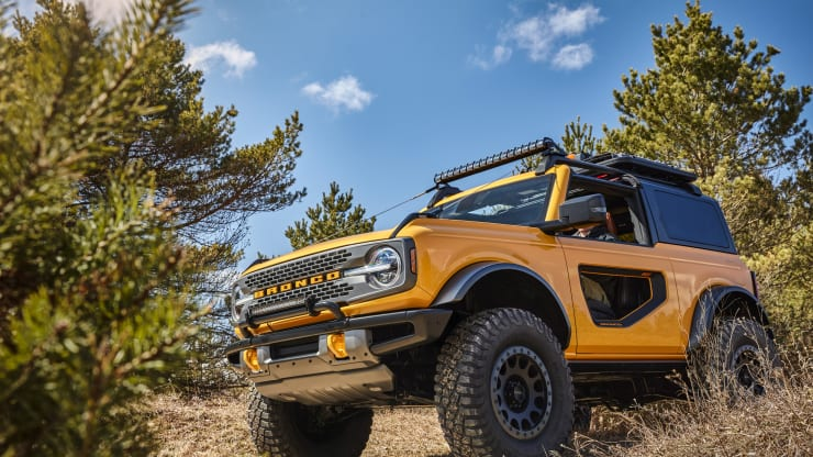 Ford is launching the Bronco next year with more than 200 factory-backed aftermarket accessories for more capability and personalization. Ford