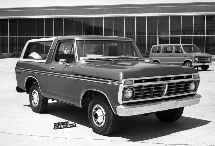 May 1973 design review for the Shorthorn Bronco. Photo courtesy Ford Media.
