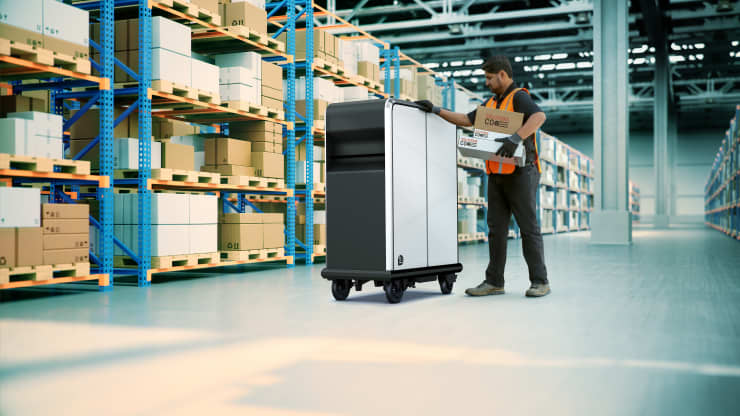 The first product from GM's BrightDrop will be the EP1, will be a propulsion-assisted, electric pallet developed to easily move goods over short distances – for example, from the delivery vehicle to the customer's front door. GM