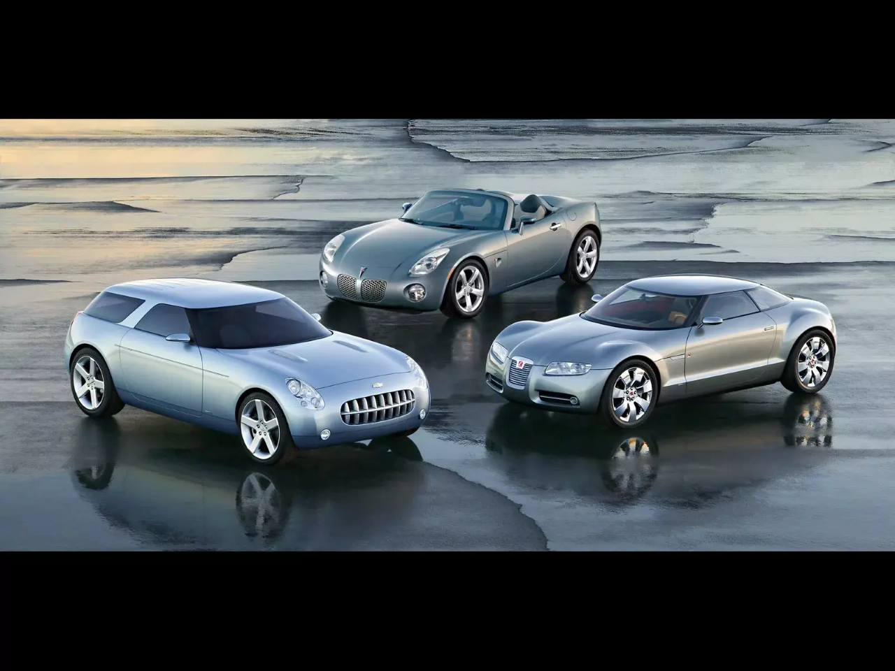 Kappa collective: the 2004 Chevrolet Nomad concept, the 2004 Pontiac Solstice and the 2004 Saturn Curve concept. Photo courtesy of GM