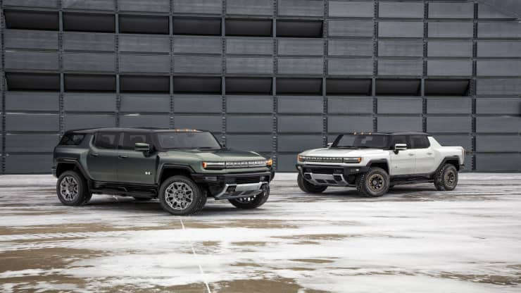 The 2024 GMC Hummer EV SUV and 2022 GMC Hummer EV sport utility truck, or SUT. GM