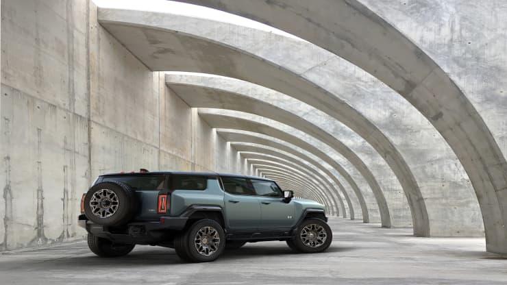2024 GMC Hummer EV SUV GM