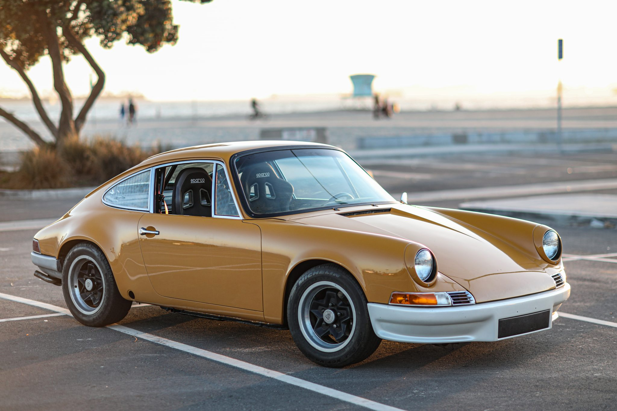 1974 Porsche 911 (Note: Vehicles pictured are not necessarily in condition #3 or #4.) Brandan Gillogly