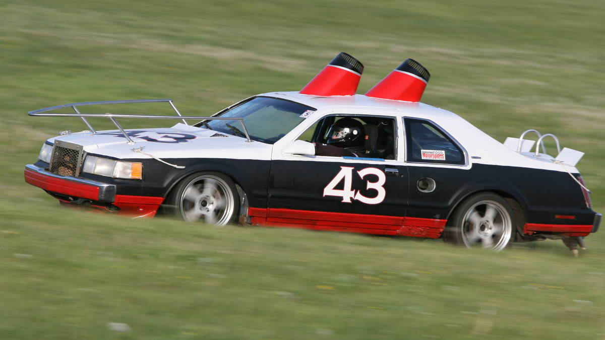 24 Hours Of Lemons >> 24 Hours Of Lemons Sells Out To The Man Rk Motors Classic