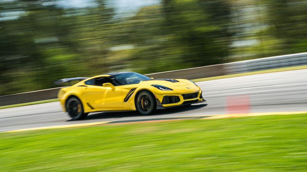 The 755 Horsepower Corvette ZR1 Will Warp Your Perception of Speed ...