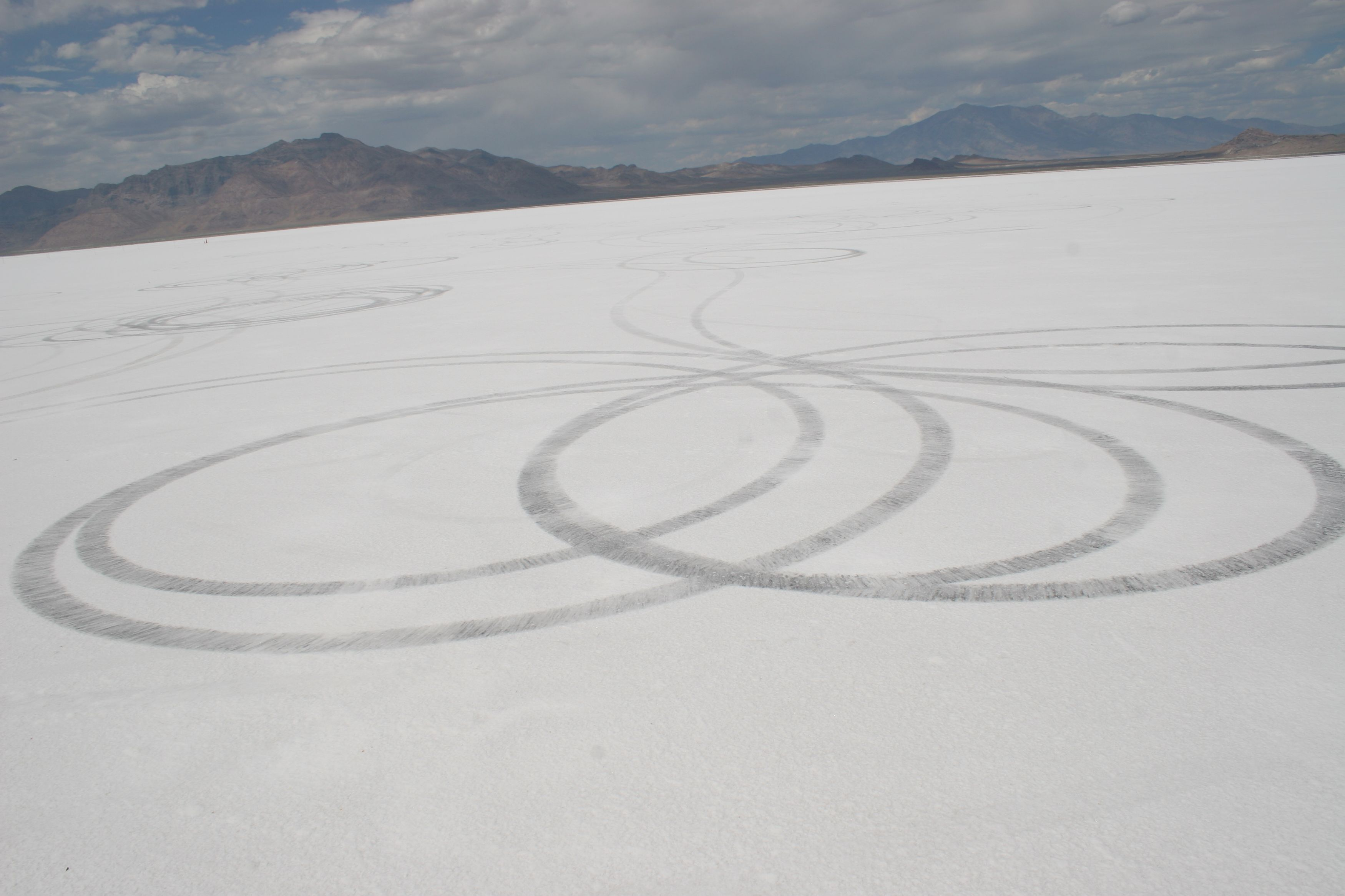 Skidmarks observed at Bonneville in 2006. Photo by the author.