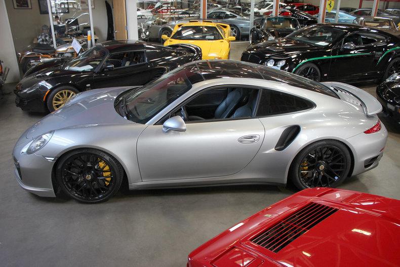 330816d209993 low res 2014 porsche 911 turbo s