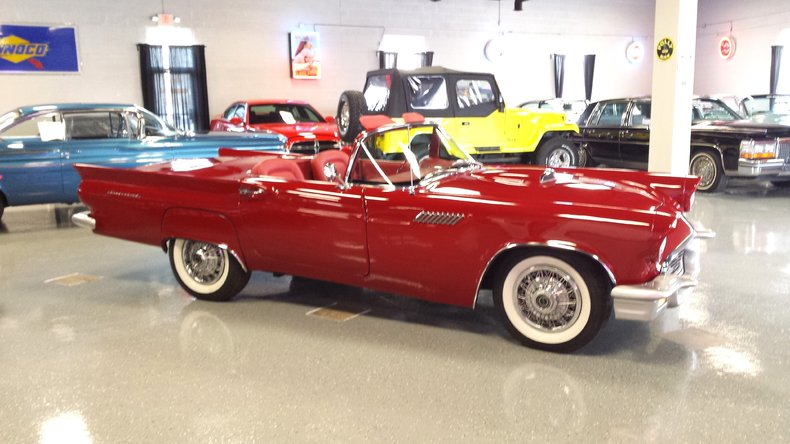 1957 Ford Thunderbird Replica
