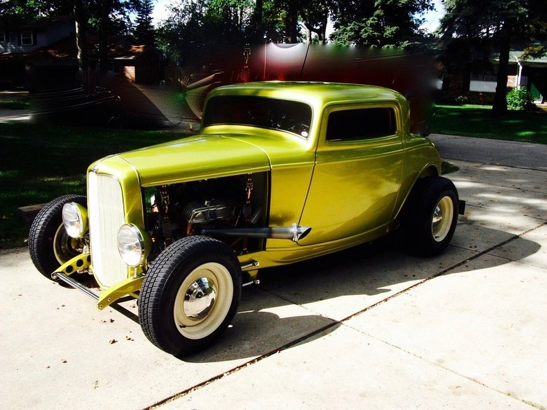 1932 Ford Three window coupe