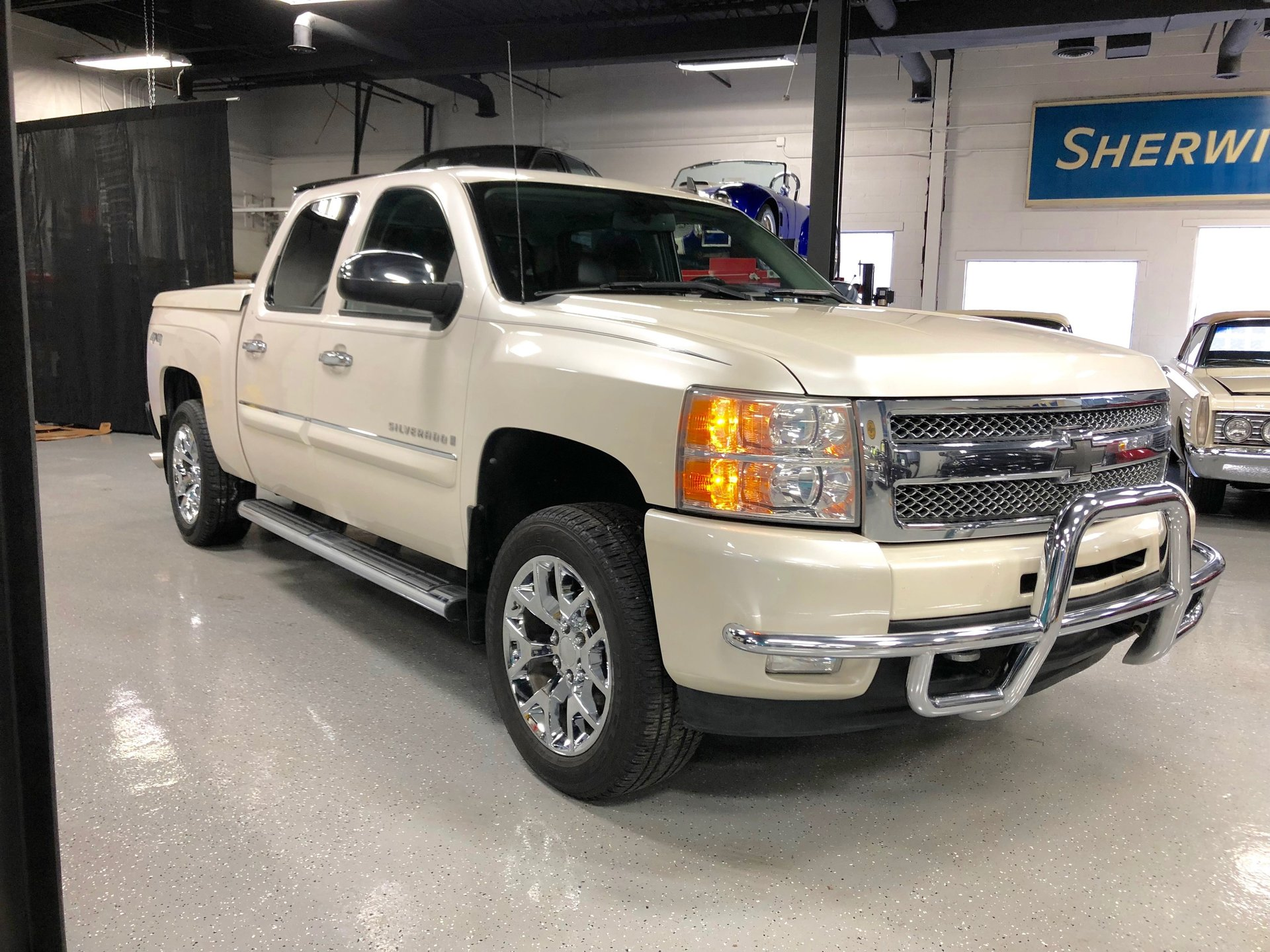 2009 chevrolet silverado ltz for sale 50973 mcg. Black Bedroom Furniture Sets. Home Design Ideas