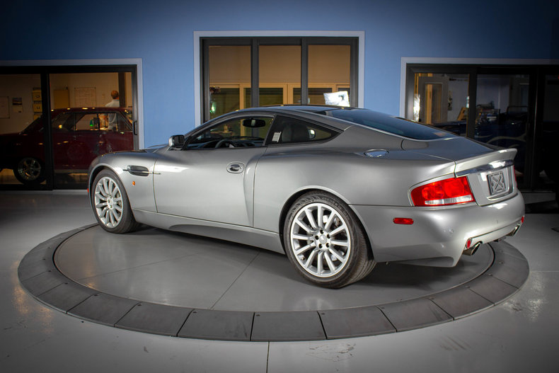 2003 Aston Martin Vanquish 3