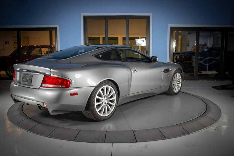 2003 Aston Martin Vanquish 5