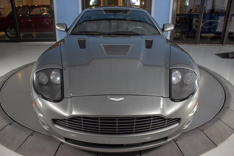 2003 Aston Martin Vanquish 9