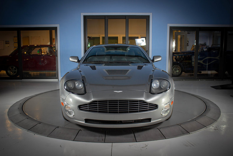 2003 Aston Martin Vanquish 8